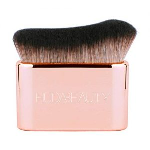 Huda Beauty Body Blur And Glow Brush