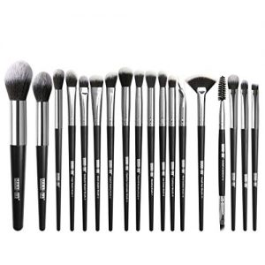Winsummer Makeup Brushes 18 PCs Makeup Brush Set Premium Synthetic Foundation Powder Brushes Concealers Eye Shadows Make Up Brushes Kit